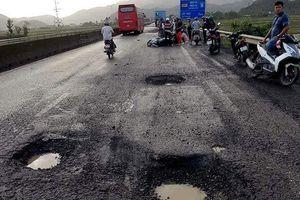 Xóa tạm 'ổ voi, ổ gà' gây chết người trên quốc lộ 1 qua tỉnh Phú Yên