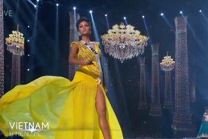H'Hen Niê hất váy dạ hội khiến khán giả Thái Lan reo hò
