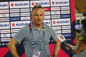 HLV từng chỉ trích thầy Park mất việc ở đội tuyển Myanmar