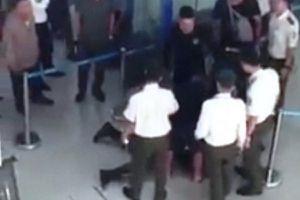 Bạo lực sân bay