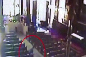 Cầm 2 súng vào nhà thờ Brazil, nã đạn ngẫu nhiên khiến nhiều người chết