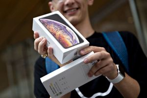Sản xuất iPhone bị chuyển ra khỏi Trung Quốc nếu thuế quan lên 25%