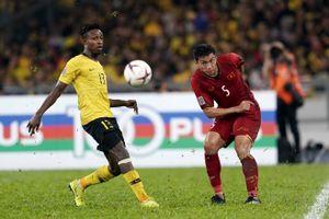 Vừa đến Việt Nam, sao Malaysia liền dằn mặt Văn Hậu