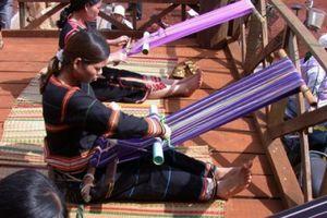 Phát triển mặt hàng thổ cẩm của các dân tộc thiểu số tỉnh Đắk Nông - Tây Nguyên