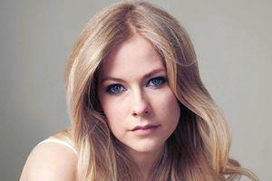 Tái xuất sau 5 năm: Avril Lavigne có biết mình đang… thất bại toàn tập?