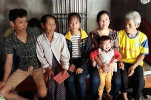 Cha mẹ sửng sốt khi con gái bỗng dưng trở về sau 17 năm bị bán làm dâu xứ người