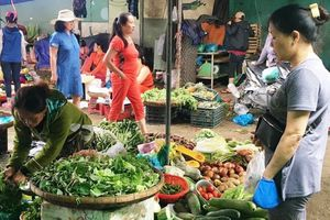 Giá nông sản ở Đà Nẵng 'nhảy múa' sau mưa lũ