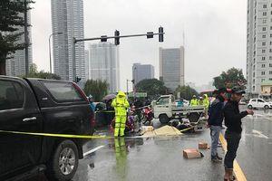Hà Nội: Thanh niên chạy xe Grap va chạm với xe ô tô, một người tử vong tại chỗ