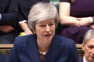Thủ tướng Anh vượt qua được cuộc bỏ phiếu bất tín nhiệm