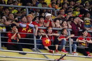 Nhiều CĐV Việt Nam bị 'cướp' chỗ ngồi ở Bukit Jalil: LĐBĐ Malaysia hứa điều tra rõ