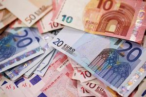 'Mưa tiền' trên đường cao tốc ở Đức