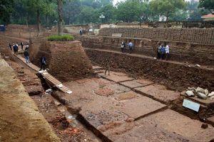 Viết lại hành trình khai quật di sản Hoàng thành Thăng Long