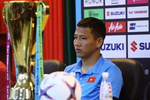 Tiền đạo Anh Đức: 'Hà Đức Chinh nên bỏ qua dư luận mà thi đấu'
