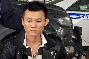 8X lái ôtô chở ma túy và vũ khí chạy trốn cảnh sát