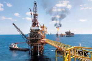 Giá dầu lao dốc do nhà đầu tư lo ngại kinh tế thế giới giảm tốc