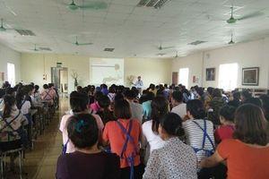 CĐ ngành Dệt May Hà Nội tổ chức huấn luyện về ATVSLĐ, PCCN cho CNLĐ