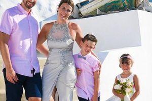 Kỷ niệm 10 năm đám cưới, người phụ nữ làm điều bất ngờ