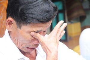 Cõng người chạy lũ, anh dân quân gục chết bên hiên nhà: Cả thôn sốc và đau đớn