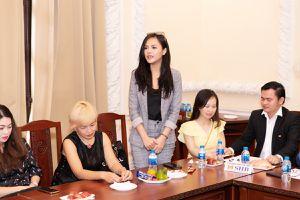 'My Sói' Thu Quỳnh rạng rỡ hội ngộ khán giả ở TPHCM