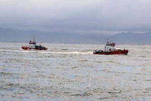 Tìm kiếm 3 thuyền viên mất tích trên biển