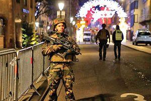 Pháp đối mặt nguy cơ tấn công khủng bố mùa Giáng sinh