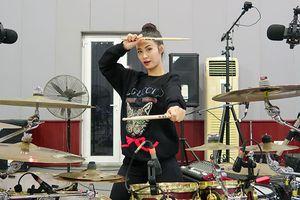 Liveshow Ten On Ten: Liệu sẽ có màn 'múa trống' solo từ Đông Nhi?