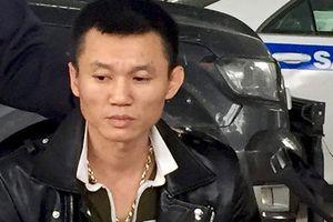 Tài xế điều khiển ôtô chở ma túy và vũ khí chạy trốn cảnh sát
