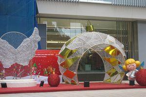 Những địa điểm 'sống ảo' dịp Giáng sinh không bao giờ cũ tại Hà Nội