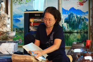 Người con dâu giữ nghề làm tranh Đông Hồ
