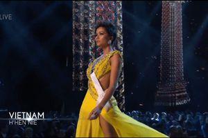H'Hen Niê rực rỡ tại bán kết Miss Universe với đầm dạ hội