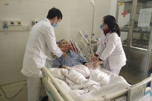 Nhiều người già, trẻ em phải nhập viện do giá rét