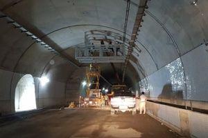 Sắp thông xe hầm đường bộ qua đèo Cù Mông