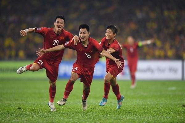Truyền hình Hàn Quốc sôi sục vì trận chung kết Việt Nam vs Malaysia