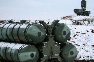 Dàn tên lửa S-400 'xuất trận' chiến đấu bảo vệ biên giới phía tây Nga