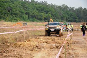 80 đội thi tranh tài ở Giải đua ô-tô địa hình tại Tuần Châu