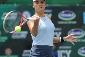 'Kiều nữ' quần vợt Alizé Lim dự giải 8 tay vợt mạnh toàn quốc