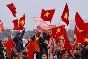 Nóng rừng rực không khí Mỹ Đình trước trận quyết đấu Việt Nam - Malaysia