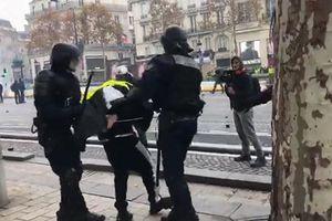 Pháp sắp đương đầu với cuộc biểu tình rầm rộ đòi ông 'Macron từ chức'