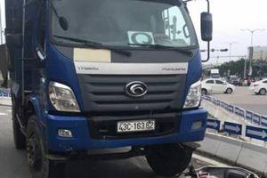 Đà Nẵng: Xe chết máy đột ngột giữa đường, người phụ nữ bị xe tải tông tử vong