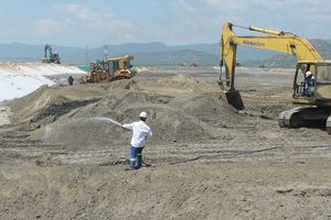 Chưa có 'lối thoát' cho trên 4 triệu tấn xỉ than ở Vĩnh Tân