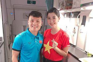 Nữ tiếp viên trên chuyên cơ của tuyển VN dự đoán bất ngờ về Quang Hải