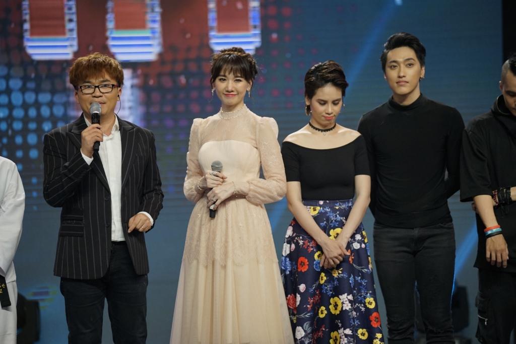 Hari Won ngại ngùng nói yêu mẹ bằng tiếng Hàn tại '100 Giây Rực Rỡ'