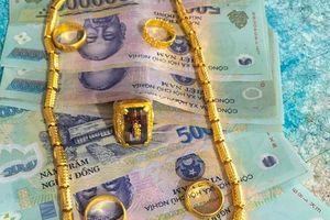 Thầy giáo ân hận vì 'chém gió' nhặt được tiền vàng khiến dư luận bức xúc