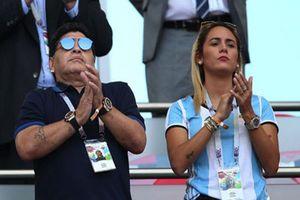 Huyền thoại bóng đá Maradona bị bồ trẻ kém 30 tuổi đuổi ra khỏi nhà