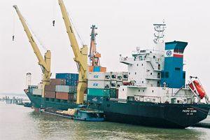BẢN TIN TÀI CHÍNH - KINH DOANH: Thu thuế nhập khẩu xăng dầu tăng đột biến, chứng khoán toàn cầu giảm điểm mạnh