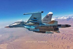 Máy bay ném bom chiến trường Su-34 'bắt dính' tiêm kích hiện đại thế hệ 4++ Su-35