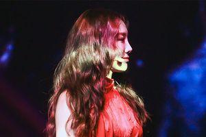 Taeyeon (SNSD) đập đầu vào thiết bị sân khấu concert: Sone có thể yên tâm vì cô ấy đã lên tiếng rồi