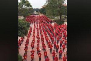Màn nhảy flashmob 'siêu dễ thương' của học sinh Hà Nội cổ vũ tuyển Việt Nam