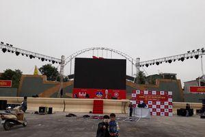 Thanh Hóa: Lắp màn hình led 500 inch tại quảng trường cổ vũ đội tuyển Việt Nam