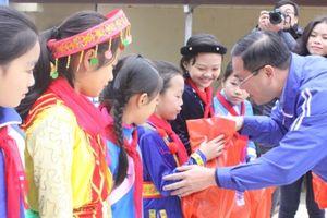 Sôi nổi hoạt động 'Tình nguyện mùa đông' tại Cao Bằng